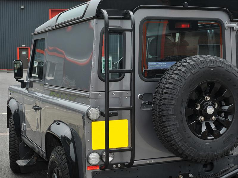 SCALETTA IN ALLUMINIO NERA DEFENDER - Picture N.1