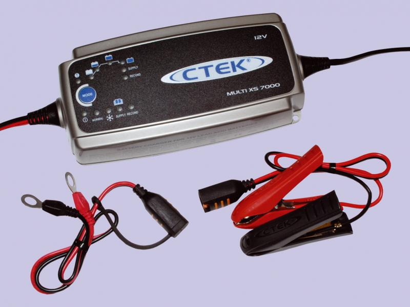 Universal battery charger - Picture N.1